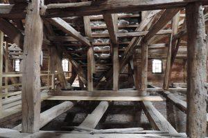 Dach–/Holzkonstruktionen